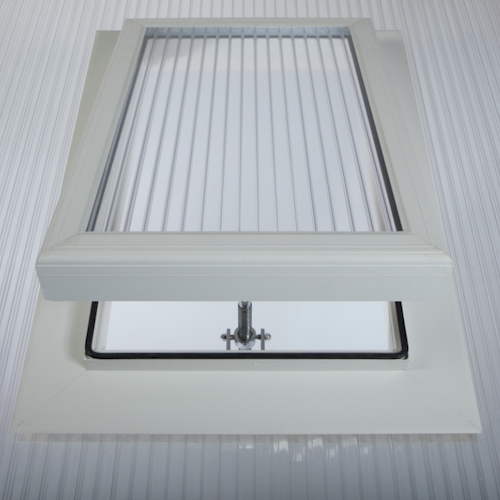Brown Roof Hatch For 16mm Tripewall Polycarbonate Roofing 750mm x 550mm External